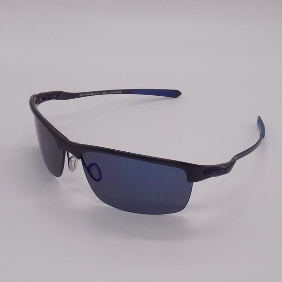 f2ece29a5c6 Oakley Carbon Blade OO9174 Men s Sunglasses w Case.  M 5ace721b84b5ce01da3ae328